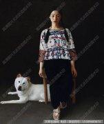 李贵君油画人物《少女与狗》欣赏下载